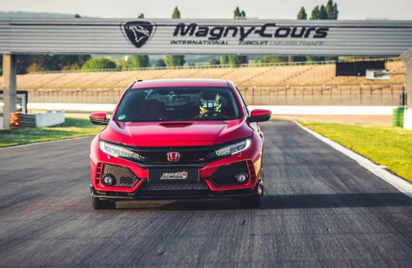 Хот-хэтч Honda Civic Type R установил рекорд